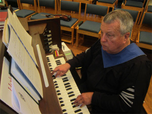 Late PEACE Organist Paul Perry dreamed of replacing the churches aging organ.